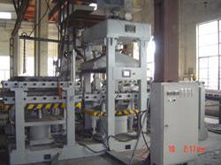 水平分型双工位覆砂造型机